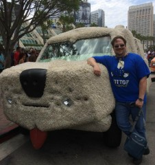 WITH THE DUMB & DUMBER CAR AT COMIC CON